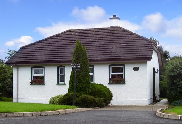 bettystown cottages in years back exclusive road rose holiday east the beachfront details dating on is seabank nestled ireland thatched cottage s co coast an